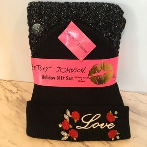 Betsy Johnson Beanie/Scarf Holiday Gift Set